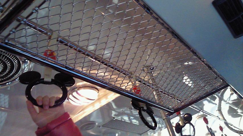 吊り革と網棚